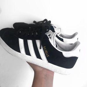 adidas gazelle black + white